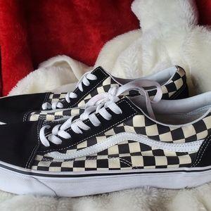 Almost new Men's checkered Van's Size 12